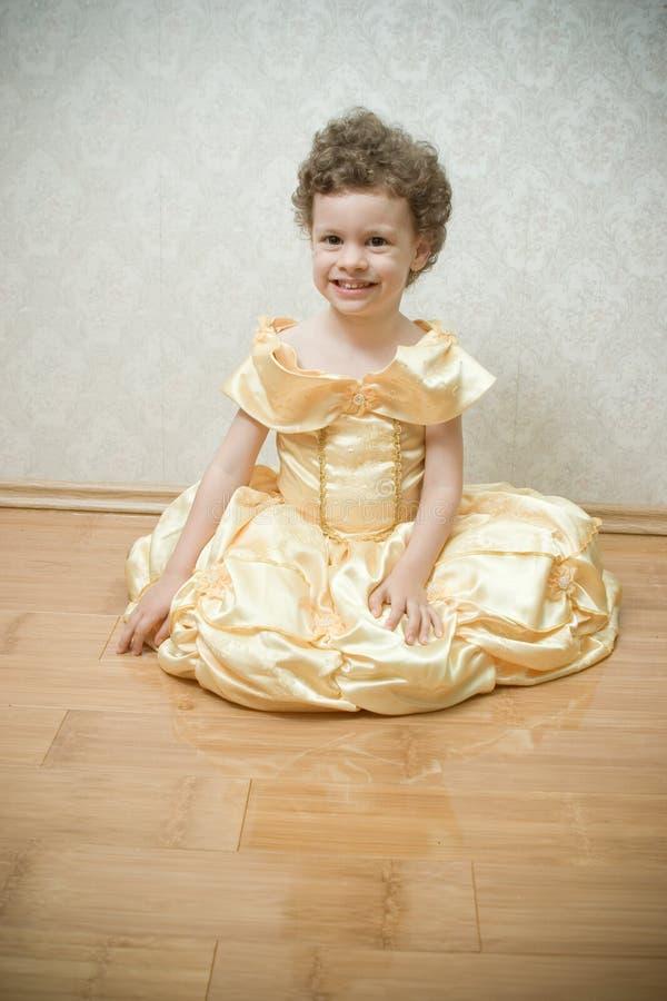 härlig barnprincess royaltyfria foton