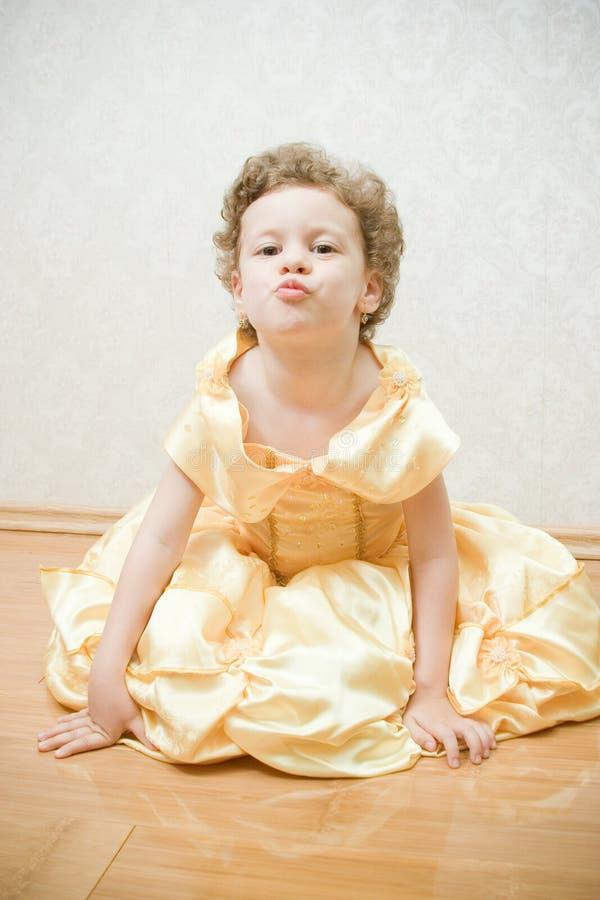 härlig barnprincess fotografering för bildbyråer