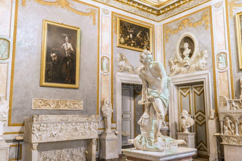 Härlig barock skulptur David (vid Bernini) på Galleria Borghese rome royaltyfri foto