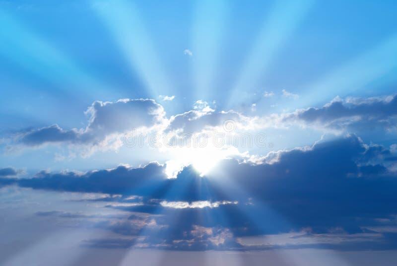 härlig blå sky royaltyfri bild