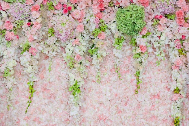 Härlig blommabröllopgarnering royaltyfri bild