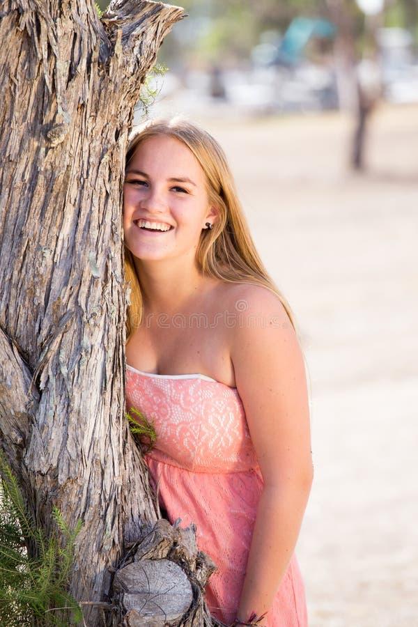 Härlig blond flicka arkivbilder
