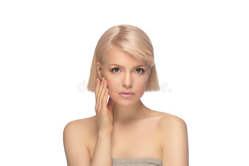 Härlig blond hårkvinna royaltyfria foton