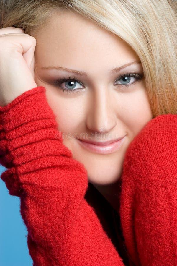härlig blond kvinna arkivfoton