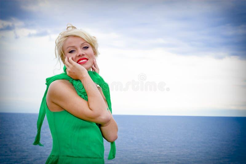 härlig blond modell royaltyfria bilder