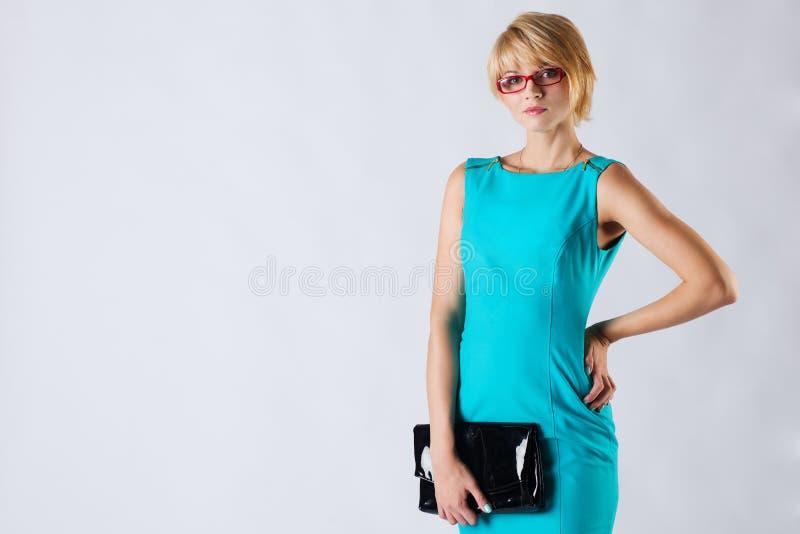 Härlig blond ung affärskvinna royaltyfri fotografi