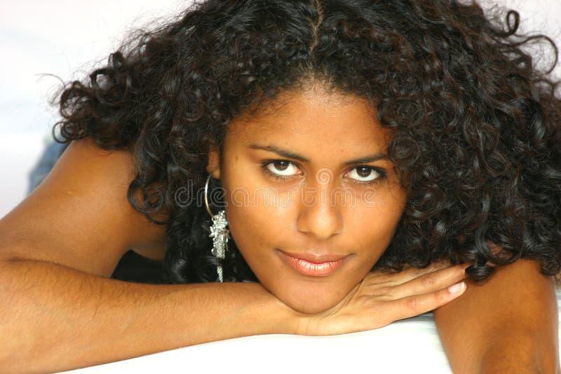 härlig brasiliansk kvinna fotografering för bildbyråer