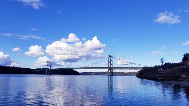 härlig bro royaltyfria bilder