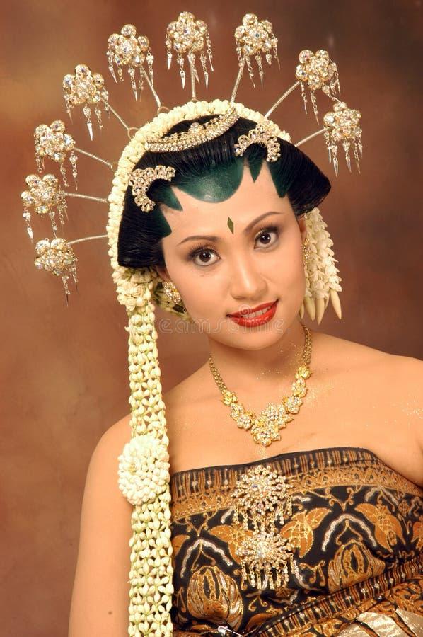 härlig brud royaltyfria bilder