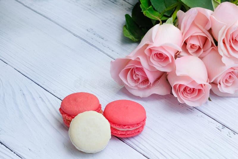 Härlig bukett av mjuka rosa rosor royaltyfria foton