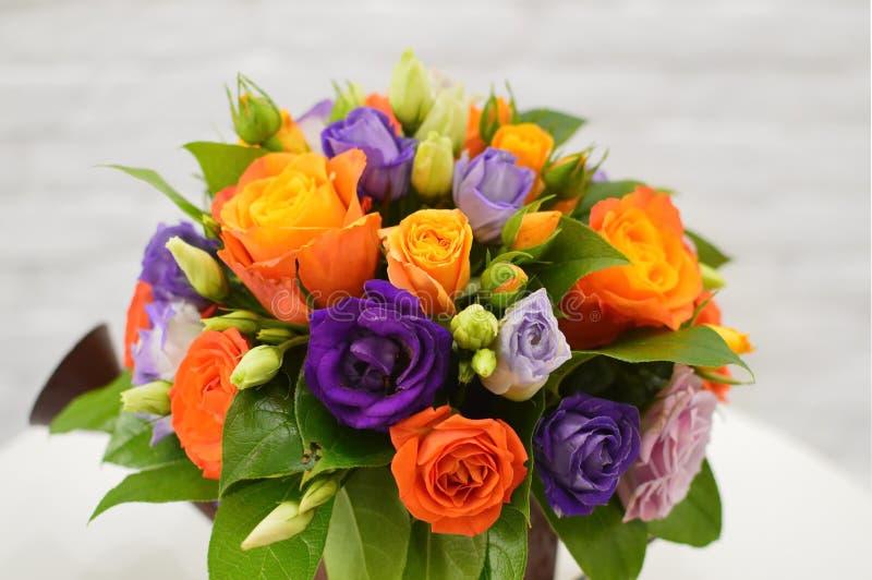 Härlig bukett från orange blommor royaltyfria bilder