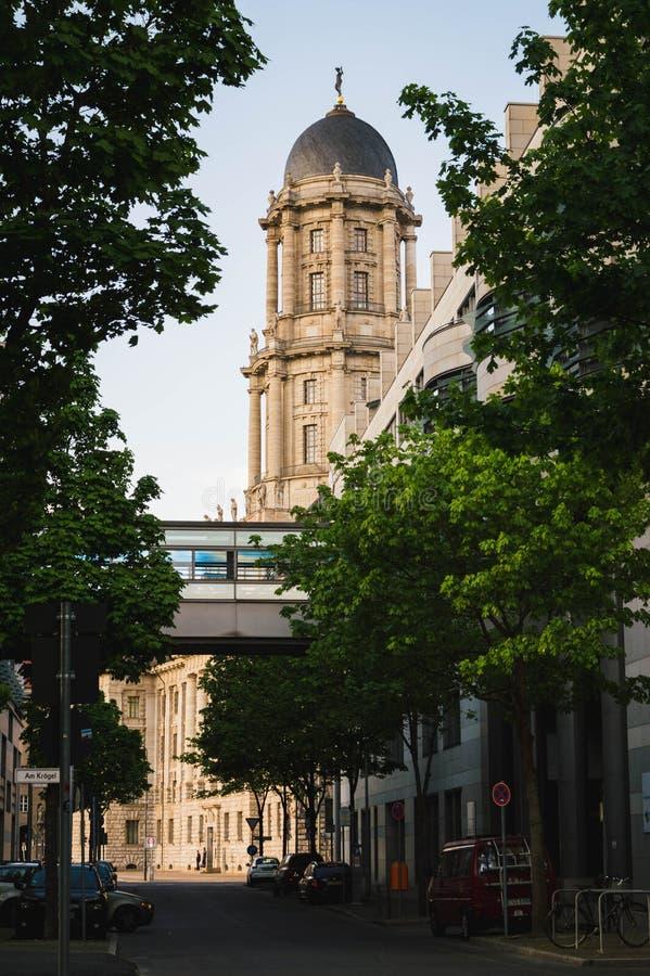 Härlig byggnad av Berlin Old Town Hall arkivfoton