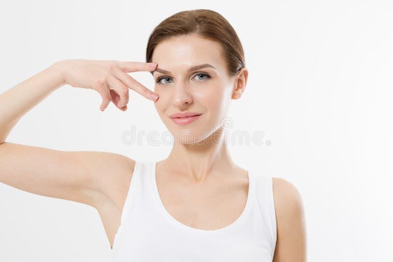 Härlig caucasian kvinna som isoleras på vit bakgrund Anti-åldras och skrynklabegrepp Hudomsorg och kvinnlig framsida kopiera avst arkivbild