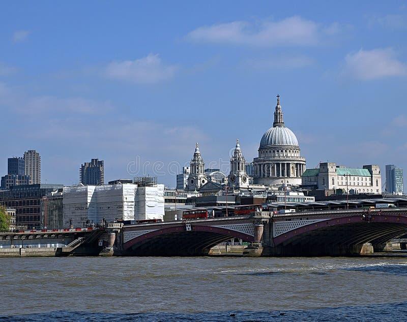 Härlig cityscape av London arkivfoton