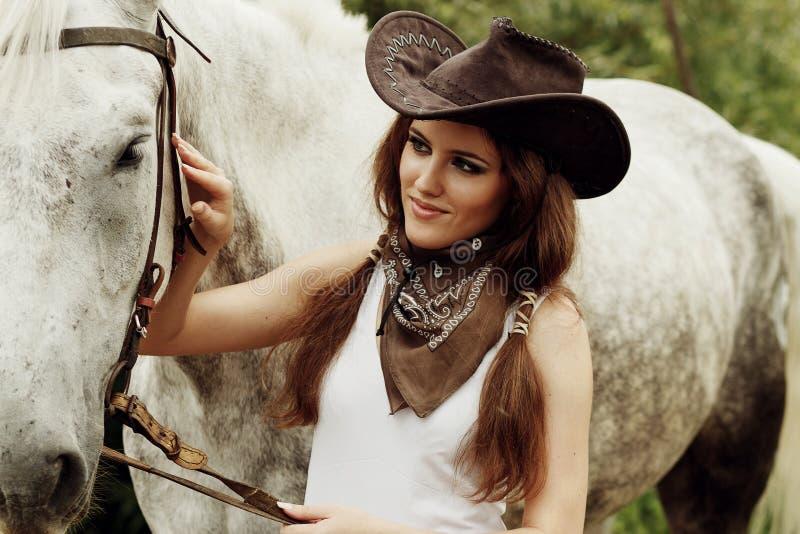 Härlig cowgirl arkivbilder