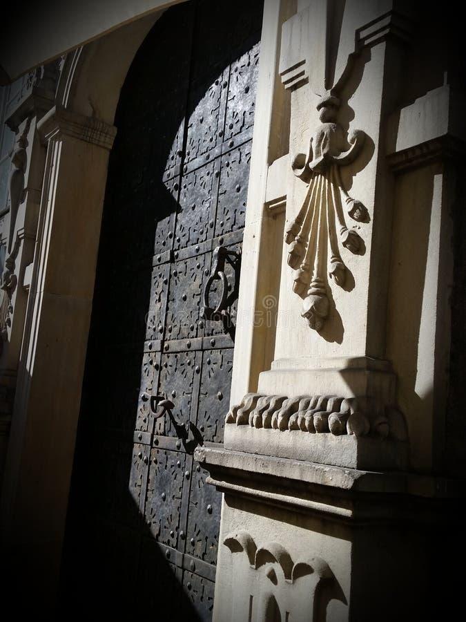 Härlig dörr i Krakow, Polen royaltyfri fotografi