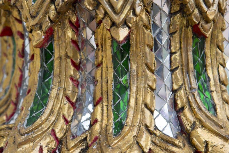 Härlig dekor i den thailändska templet Wat Pho templet av vilaBuddha Asiatisk arkitekturnärbild royaltyfria foton