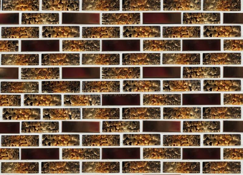 Härlig exponeringsglasmosaik för reparation av brunt och orange exponeringsglas arkivfoto