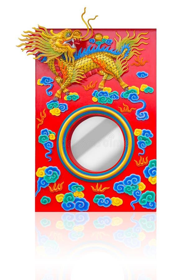 Härlig för kirinskulptur för kinesisk stil garnering för fönster i tempel i porslin arkivbilder