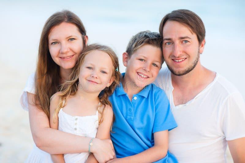 Härlig familj av fyra royaltyfri foto