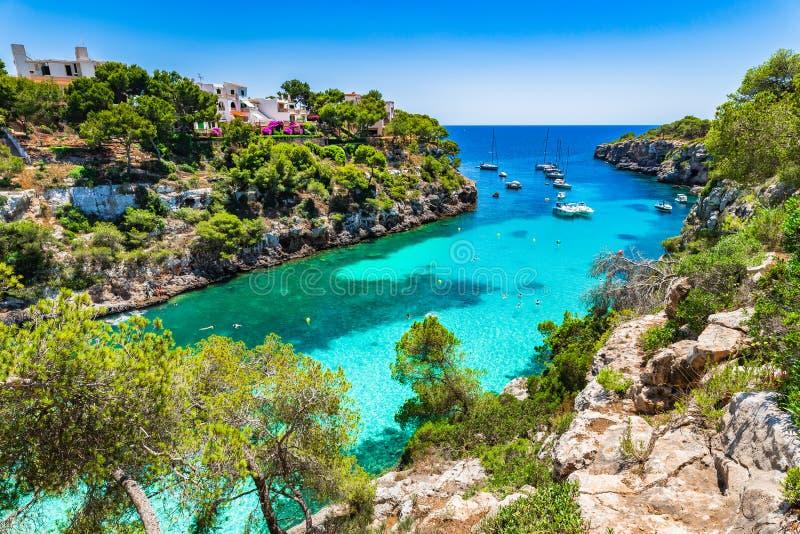 Härlig fjärd för Cala pi på den Majorca Spanien medelhavet royaltyfri fotografi