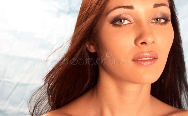 Download Härlig flicka fotografering för bildbyråer. Bild av leende - 506379