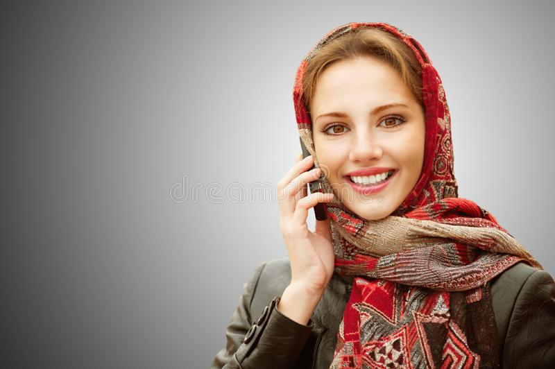 härlig flicka för höst royaltyfria bilder
