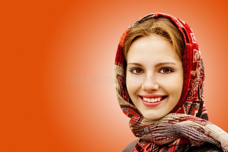 härlig flicka för höst arkivfoto