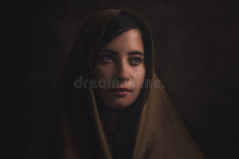 Härlig flicka för Muslim Stilfull skönhetstående royaltyfri fotografi
