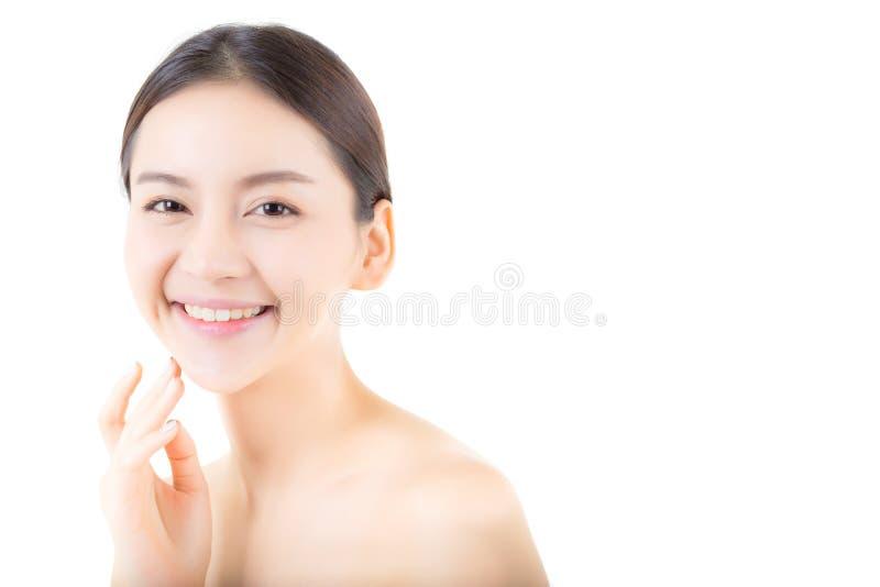 Härlig flicka med makeup-, kvinna- och hudomsorgbegrepp royaltyfri fotografi