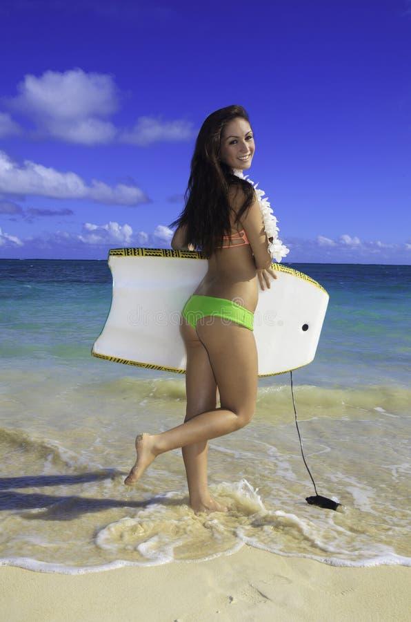 Download Härlig flicka på stranden arkivfoto. Bild av sand, tonåring - 27278390