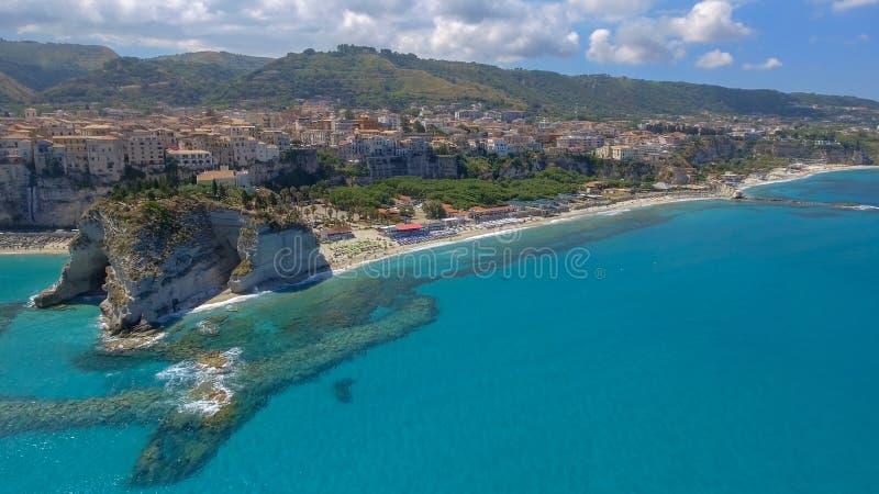 Härlig flyg- kust av Calabria i sommar, Italien arkivfoto