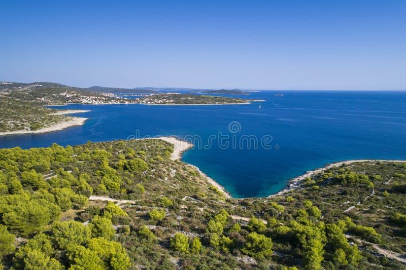 Härlig flygbild av Razanj i Dalmatia, Kroatien, Europa royaltyfria foton