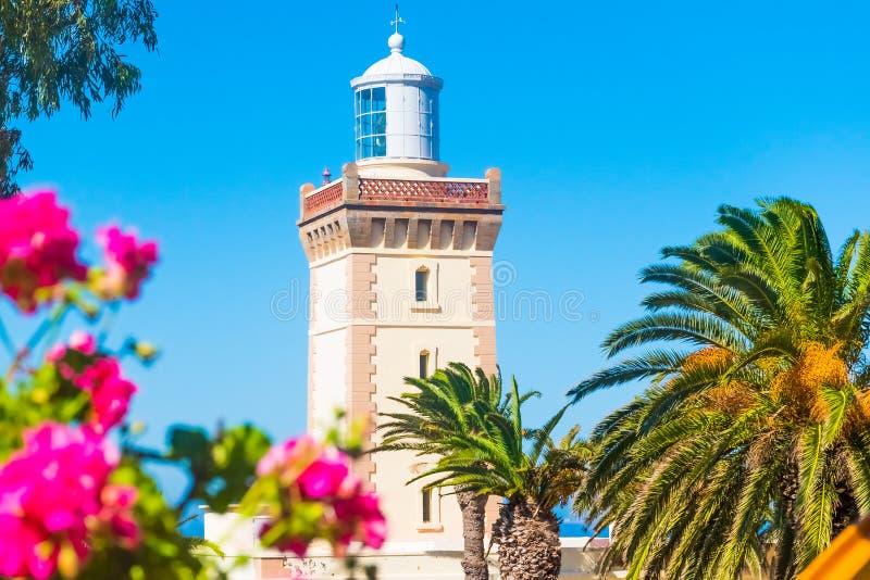 Härlig fyr av den lockSpartel nästan Tanger staden och Gibraltar, Marocko royaltyfri fotografi