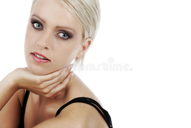 Härlig glamorös ung kvinna royaltyfri foto