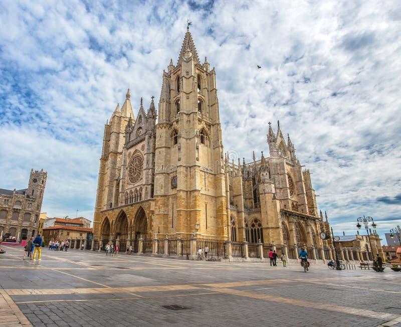 Härlig gotisk domkyrka av Leon, Castilla Leon, Spanien arkivfoton