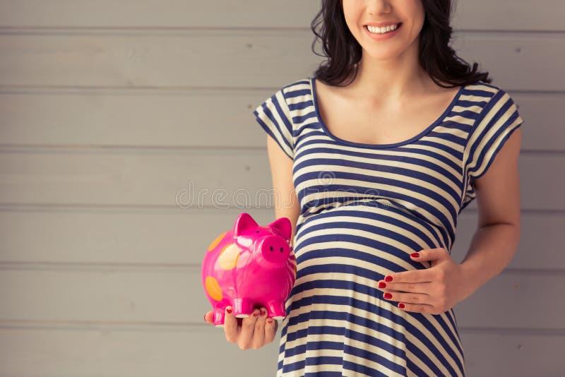 härlig gravid kvinna arkivbilder