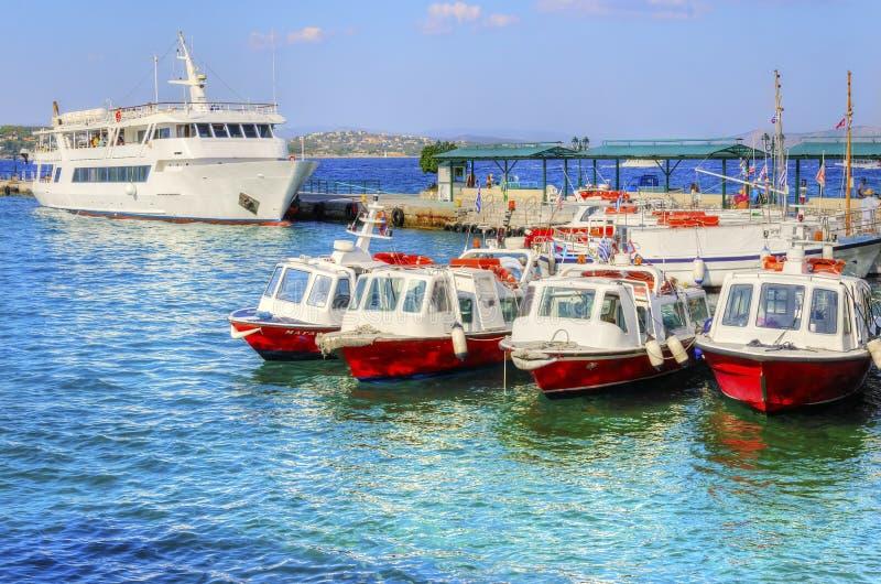 Härlig grekisk ö, Spetses arkivbild