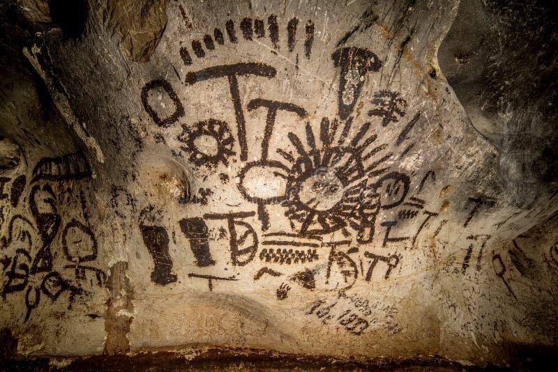 Härlig grotta i Bulgarien stock illustrationer