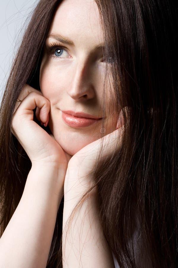 härlig hårkvinna royaltyfri fotografi