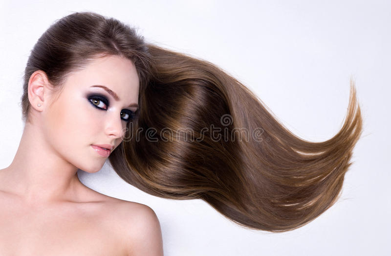 härlig hårståendekvinna royaltyfria bilder