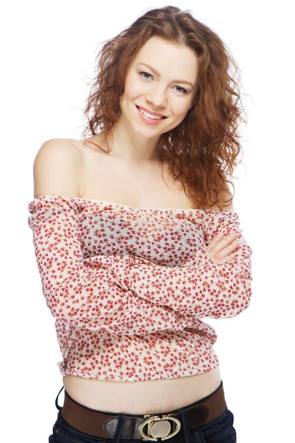 härlig haired model röd white för bakgrund royaltyfri foto