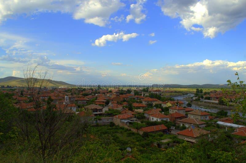 Härlig himmel för bulgarisk by royaltyfria foton