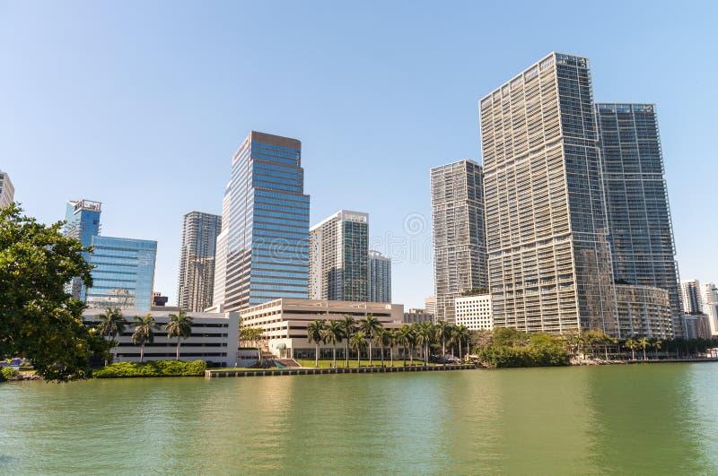 Härlig horisont av den Brickell tangenten, Miami - FL arkivbild