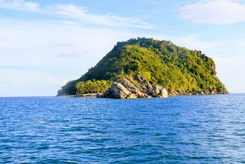 HÄRLIG ISLA GIGANTES I FILIPPINERNA royaltyfri foto