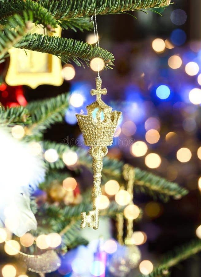 Härlig julprydnad på julgranen arkivfoto
