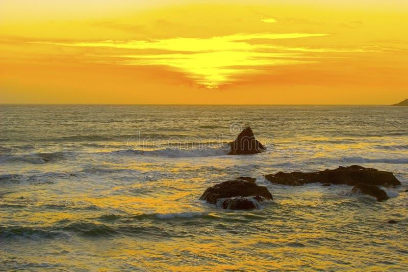 härlig Kalifornien solnedgång fotografering för bildbyråer