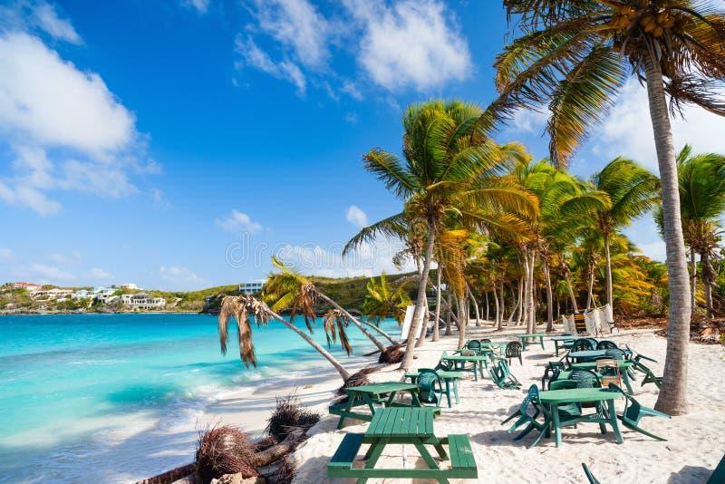 Härlig karibisk strand royaltyfria bilder