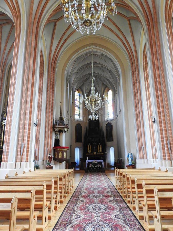 Härlig katolsk kyrka inom, Litauen arkivfoton