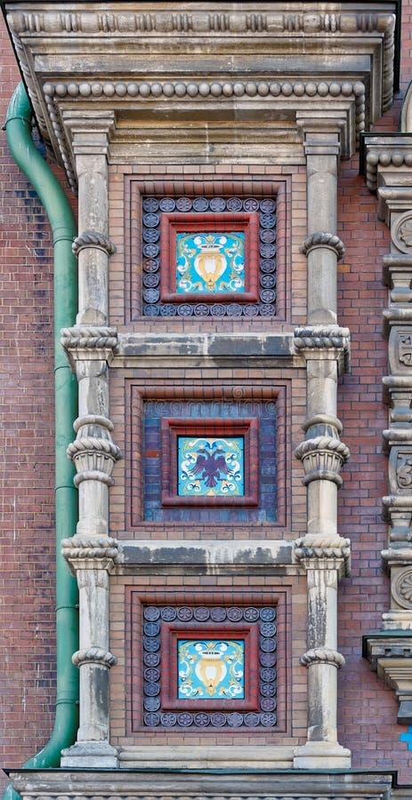 Härlig keramisk prydnad av den gamla rysskyrkan fotografering för bildbyråer